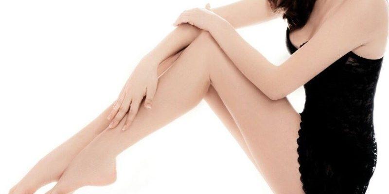 Wydepilowane laserowo nogi.
